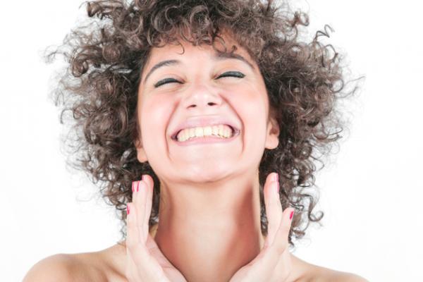 Implant de păr cu biofibre